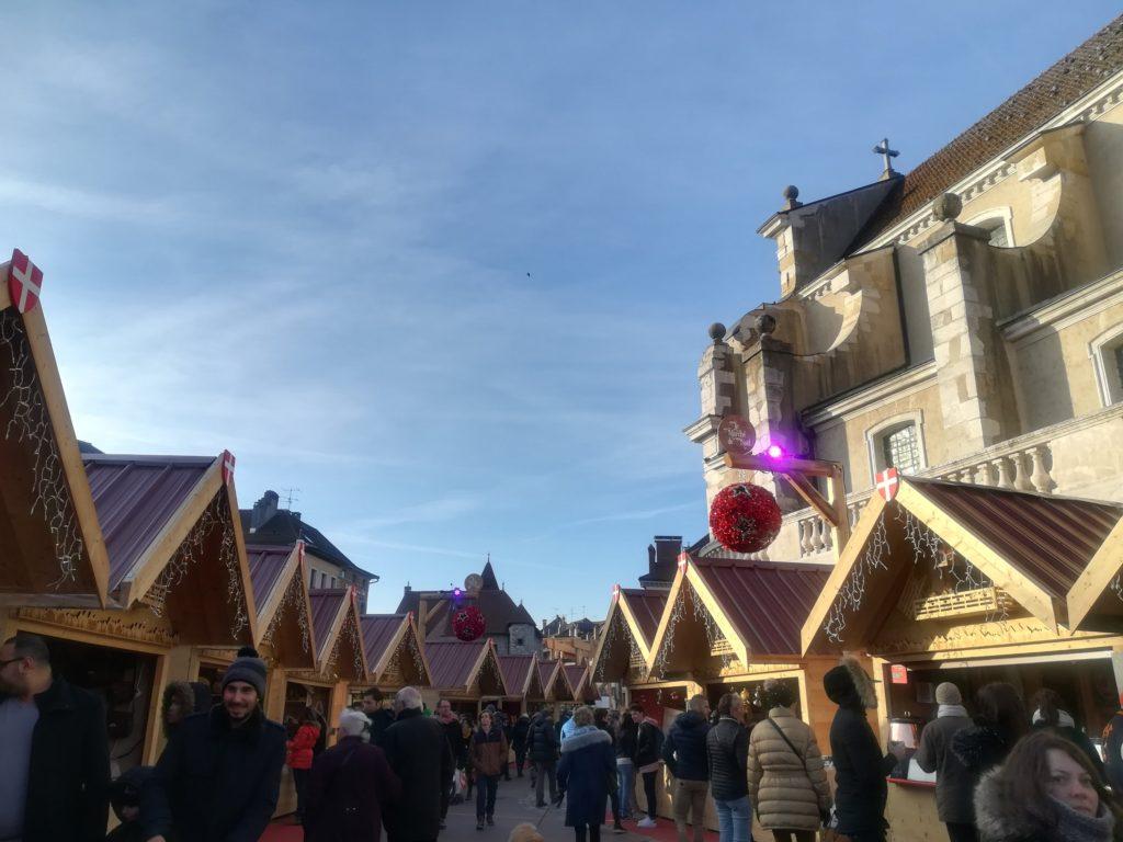 アヌシーのクリスマスマーケット