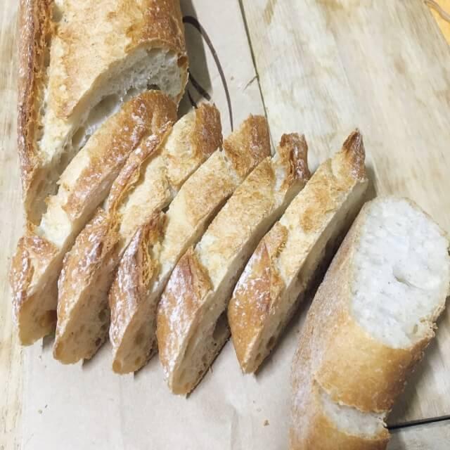 フランスパン,バゲット,フランス,日本,習慣,食文化,違い,比べる,レストラン,