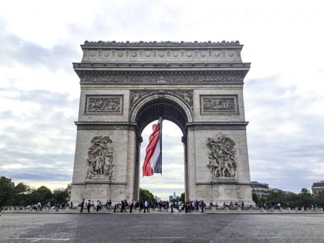 凱旋門,フランスの空
