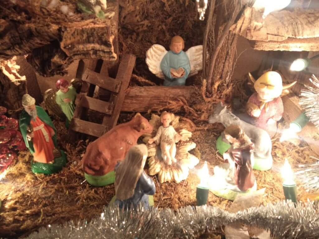 キリスト生誕の馬小屋の模型